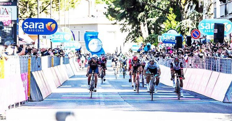 Giro d'Italia, il ruggito di Sagan a Foligno