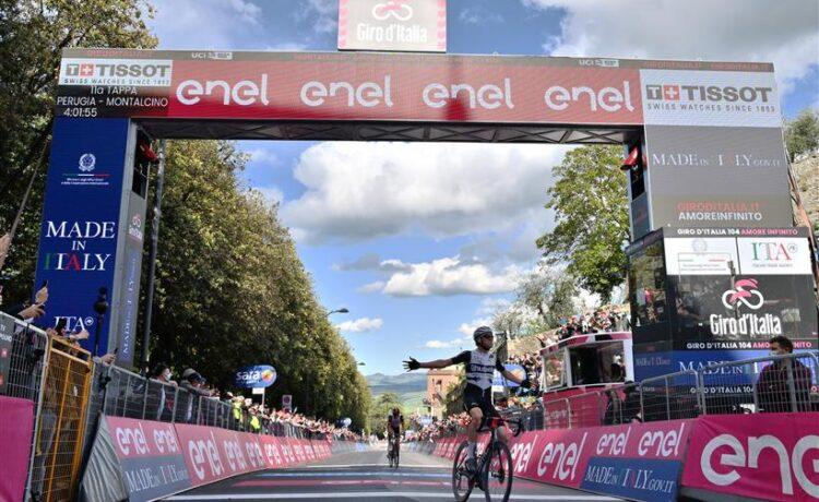 Giro d'Italia: tappa a Schmid, Bernal allunga