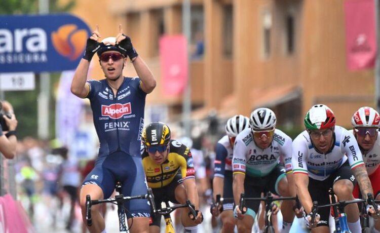 Giro d'Italia – Il primo sprint è di Merlier