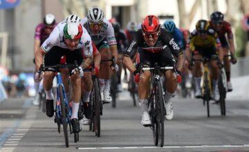 Giro Italia: Ewan sfreccia a Cattolica