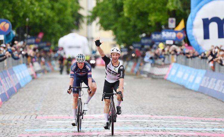 Giro d'Italia: Campenaerts vince a Gorizia