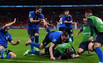 Dopo una partita di sofferenza l'attaccante della Juventus e il centrocampista dell'Atalanta entrano nel finale e decidono il match all'extra time. Il 2 luglio a Monaco di Baviera gli Azzurri affronteranno la vincente della sfida tra Belgio e Portogallo